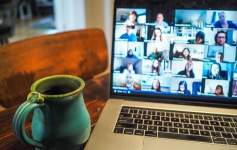 Online Etiquette: Zoom Do's and Don'ts