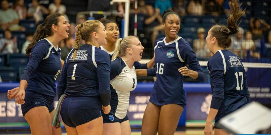 West Florida volleyball extend win streak after sweeping West Alabama